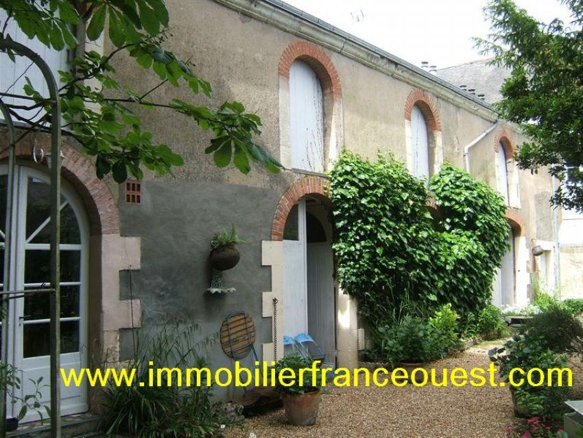 immobilier Sarthe (72):Maison bourgeoise à vendre - Centre ville Sablé sur Sarthe