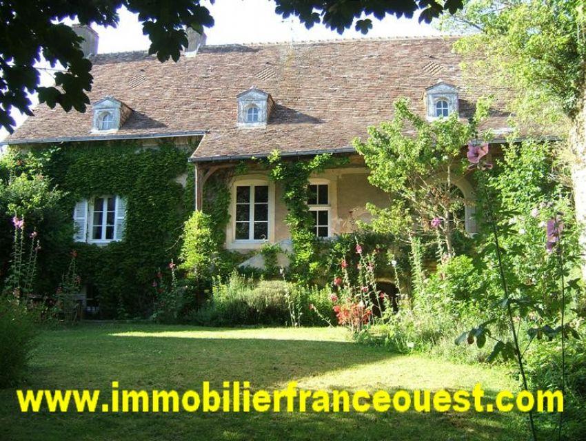 immobilier Sarthe (72):5. Authentique logis XVème - XVIIème secteur Parcé sur Sarthe