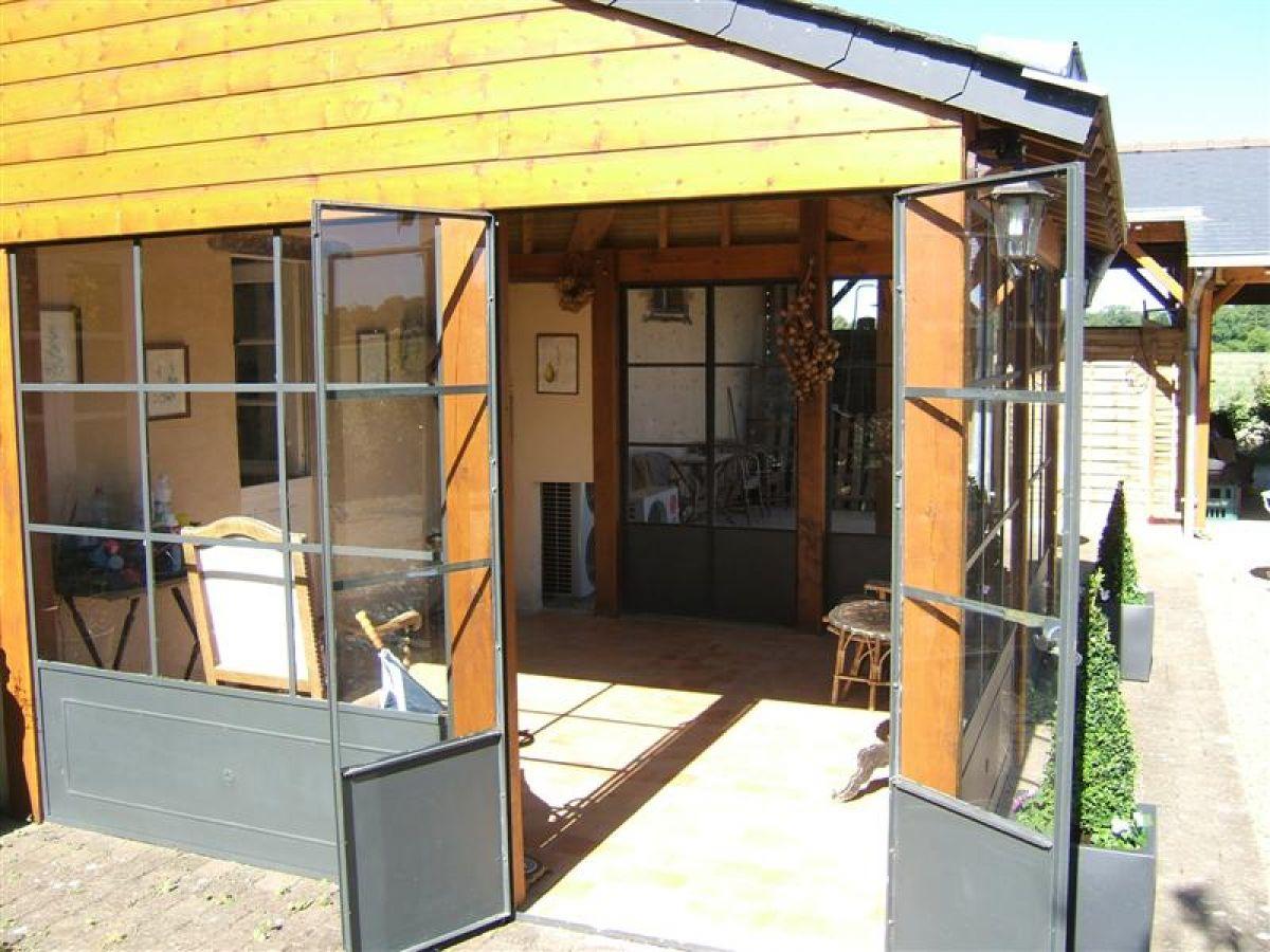 veranda entree maison beautiful maison avec veranda id es. Black Bedroom Furniture Sets. Home Design Ideas