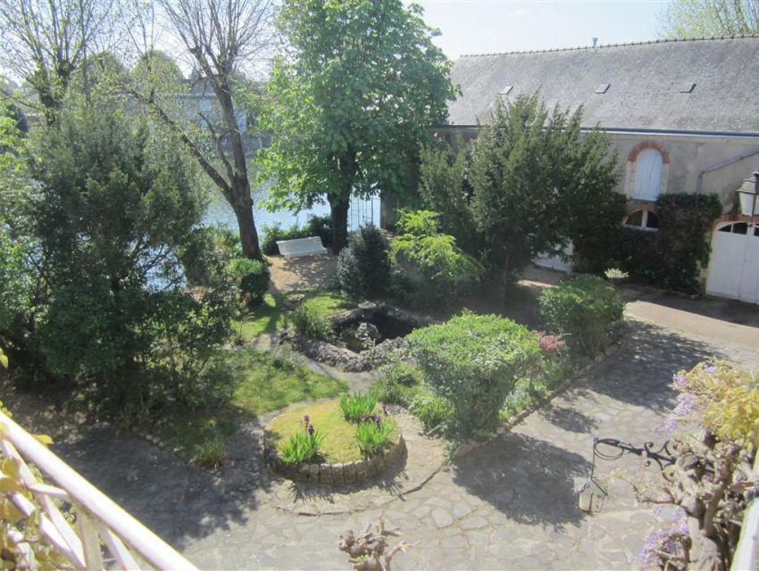 Jardin clos et accès rivière  maison de caractère centre ville  Sablé sur Sarthe 72