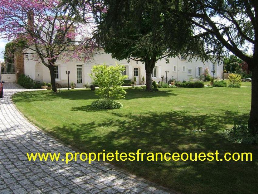 immobilier Sarthe (72):A vendre propriété de caractère région la Flèche.