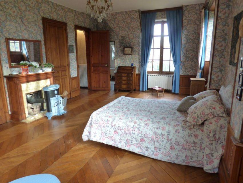 propri t de caract re avec parc et tang demeure de charme sarthe 72 belles demeures. Black Bedroom Furniture Sets. Home Design Ideas