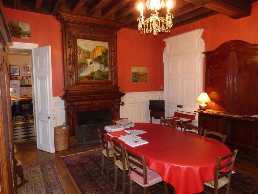 decoration intérieure : cheminée en bois avec trumeau - cimaises et boiseries