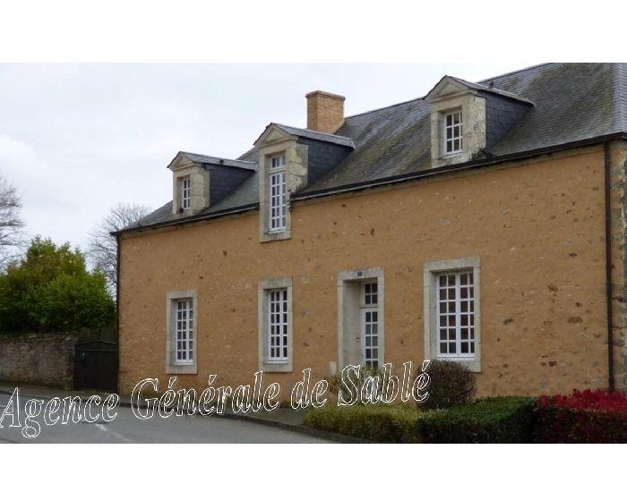 Maison de maître - Propriete villageoise en sarthe - secteur Brulon - Région Sablé - Le Mans