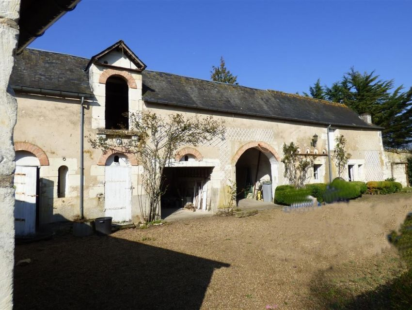 Dépendances - sellerie- écurie- demeure de caractere - Sud Sarthe - Vallée du Loir