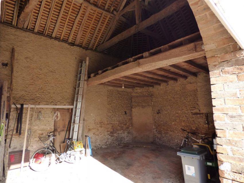grange propriété de caractère - vastes dependances - région de Sablé sur Sarthe