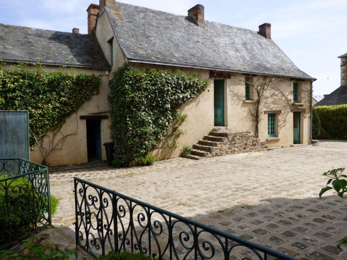 Maison de ma tre demeure de charme et caract re sarthe for Annexe maison