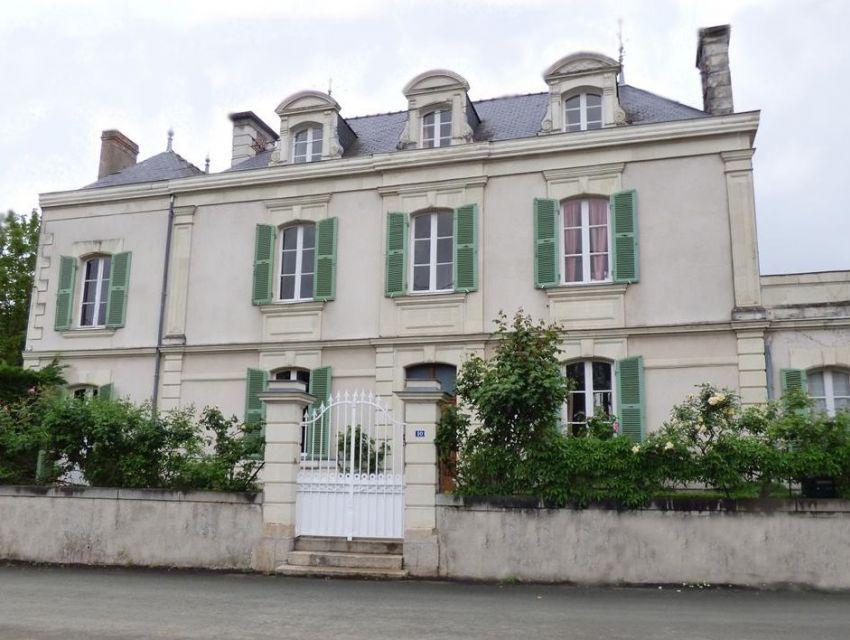 maison de caractere en Anjou - maison 18eme avec lucarnes à frontons lobés