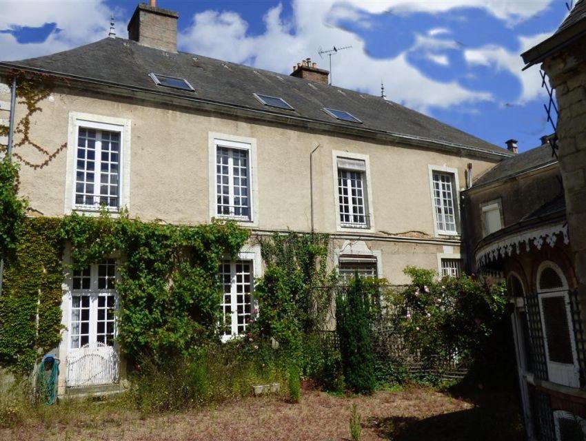 maison bourgeoise avec dependances jardin et garage Sablé sur Sarthe