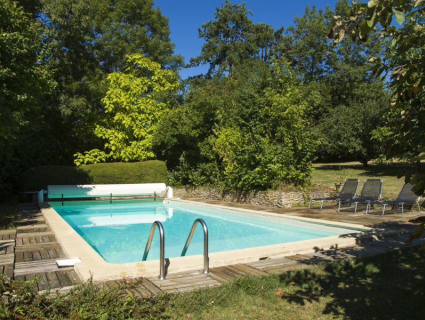 Maison de charme et caract re 5 chambres r gion de la for Piscine dans le jardin