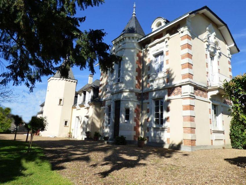 Propriété - Maison de caractere - Sable sur Sarthe -72300