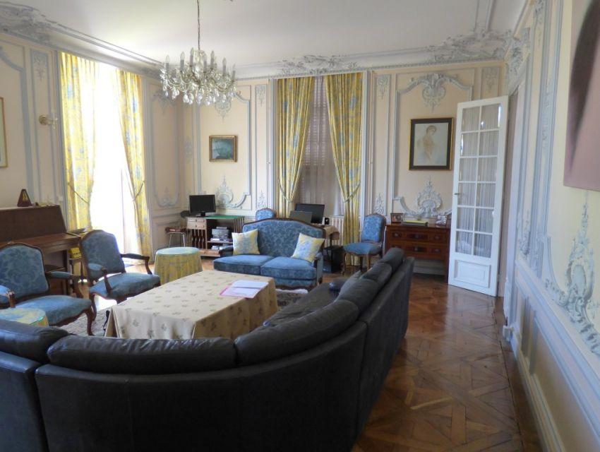 demeure de caract re de centre ville 72200 la fleche sarthe belles demeures maisons de. Black Bedroom Furniture Sets. Home Design Ideas