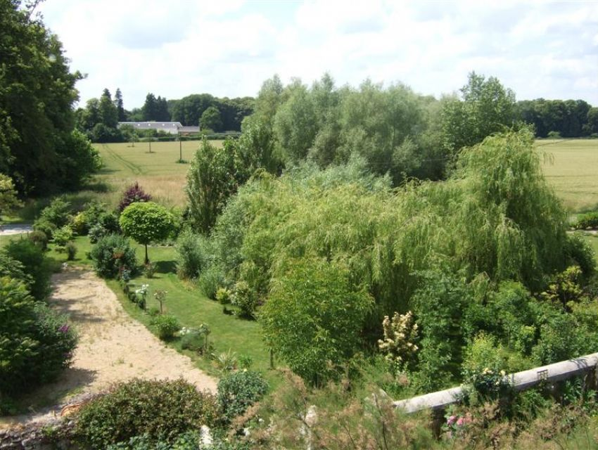 Propriété villageoise en Pays de Loire - Anjou - région Baugé (49150)